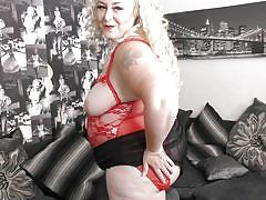 Fat cougar is too hot to handle when horny