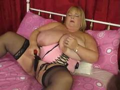 Super fat blonde bbw and her toy fucking