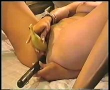 Milf annie with her toys...f70