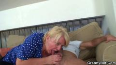 Plump mature lady fucking like young