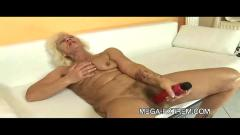 Granny privat sex-movie: hot old mature fucks guy part1