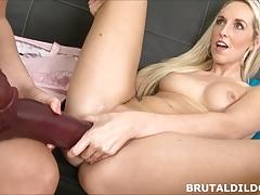 Sexy lilith lee gapes jenny simons pussy with massive dildos