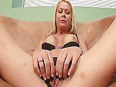 240-curvaceous cougars - scene 1 - dreamgirls