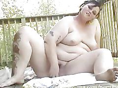 Bbw works her fat pussy on balcony 2