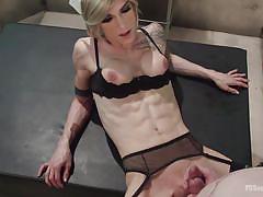 Blonde tranny in stockings enjoying an anal hardcore