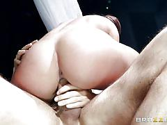 Savannah fox is squrting all over, after a hard anal fuck session