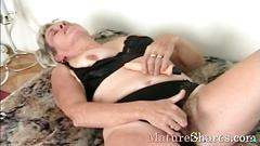 Granny pussy fingering scene is so very nasty