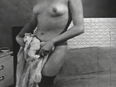 Nude in dracula's castle (the bonus loops)