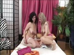 Some more saggy mature lesbians