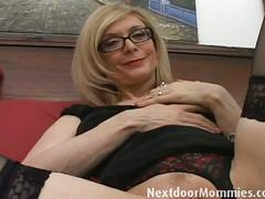 Naughty cougar nina hartley loves to give handjobs