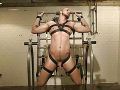 Gay slave has to sit on a sybian