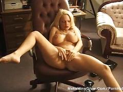 Big tits blonde masturbate in front of the computer and do a hand
