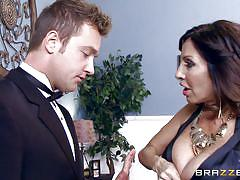 Seductive tara offers a kinky blowjob