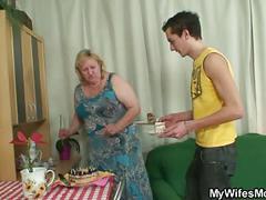 He fucks huge mother-in-law