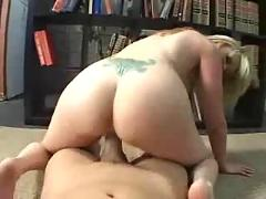 Blondies squirting pussy