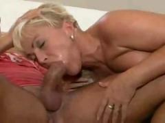 Blonde de mutter fucked
