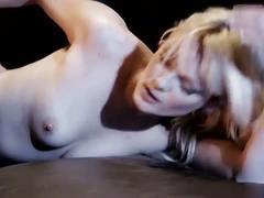 Zoey paige masturbates in solo