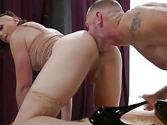 Sexy tranny loves anal
