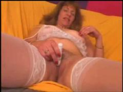 Mature lady in white stockings o.o