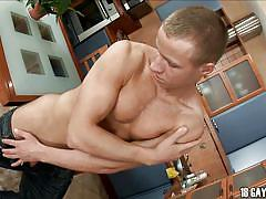 Oiled twink with a lot to show