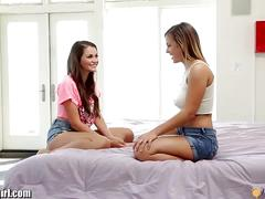 Mommysgirl lisa ann shows young lesbians licking""