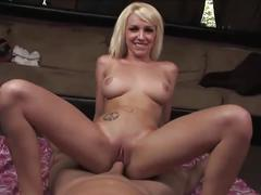 Gorgeous stevie shae returned the favor with sex