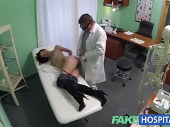Fakehospital doctors talented digits make milf squirt uncontrollably during sexy