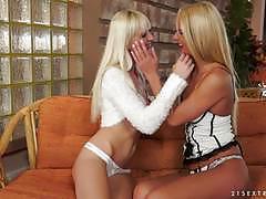alexa wild, chelsey lanette, lesbian, fingering, fisting, kissing, orgasm, baseball bat, blondes, licking pussy