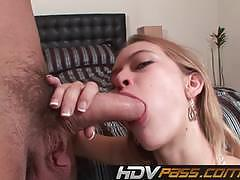 Hdv pass amateur babe stuffs her mouth with ha...