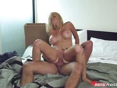Busty blonde porn slut jesse jane sleazy hardcore