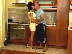 Pretty pregnant fuckin in the kitchen