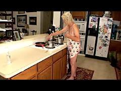Granny kitchen queen