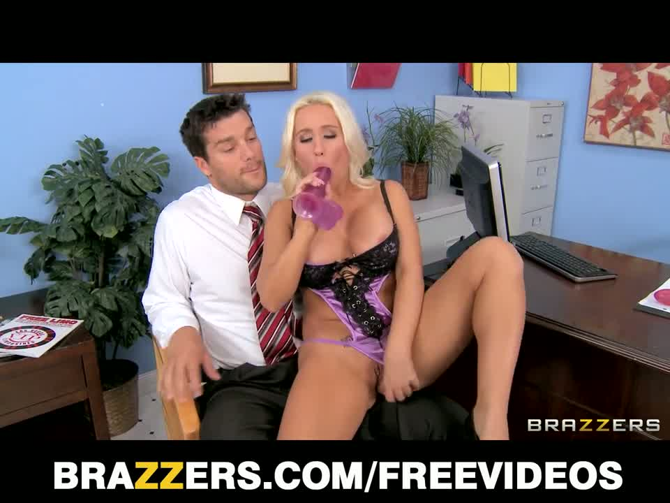 Brazzers - nympho student sammie spades fucks her principal