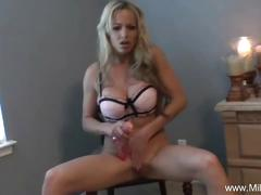 Gorgeous milf mia teasing and toying her hot clit