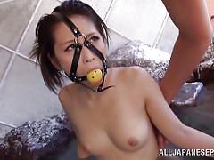 Weird sex scenario with naked japanese girl