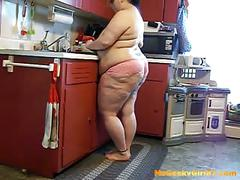 Bbw msgeekygirl87 kitchen fetish maturbation