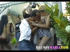 Maria de brunoymaria follada en publico con unos chicos