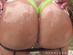 Fucking amazing bubble butt tease show