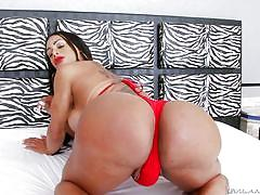 Busty tranny with a huge bubble butt