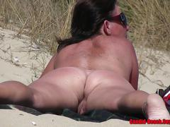 Mature nude milfs pussy and ass close up beach voyeur video