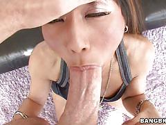 Horny milf maxi wants some anal