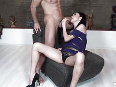 Asian slut gets her pussy licked
