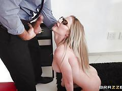 Jenna makes her boss take a break