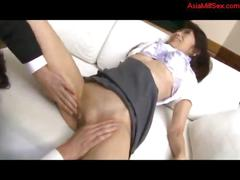 Skinny mature woman getting her shaved pussy...