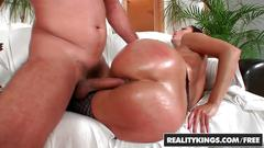 Realitykings - monster curves - neeo simone style - ripping through