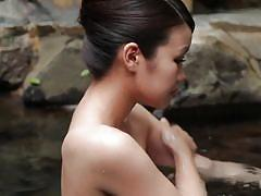 Onsen babe gets fingered