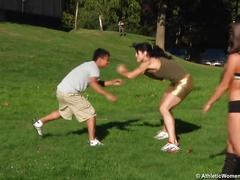 Amazon wrestle small guy