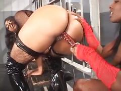This slut of a lesbian licks pussy like no other! vol. 14