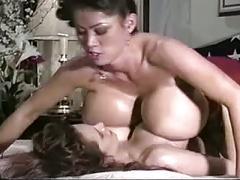El masaje de las tetonas