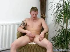 English jock gets naked for solo jerkoff session